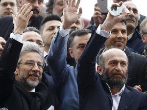 Dündar ve Gül'ün Duruşması 1 Nisan'a Ertelendi