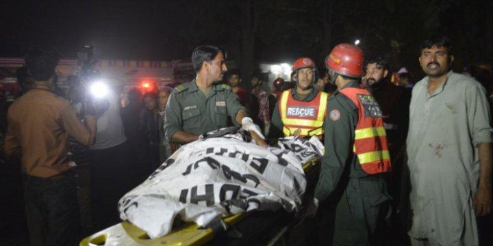 Pakistan'daki Vahşi Saldırıda Ölenlerin Sayısı 70'e Yükseldi