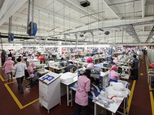 Gümrük Vergisinden Vazgeçilirse Mültecilere Fabrika Kurulacak