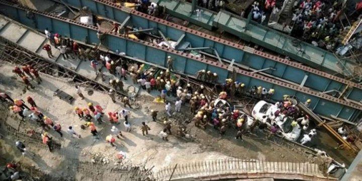 Hindistan'da Köprü Çöktü: 100'ü Aşkın Kişi Enkaz Altında!