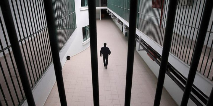 İşgalci İsrail Hapishanelerinde 1700 Filistinli Hasta Tutuklu Var