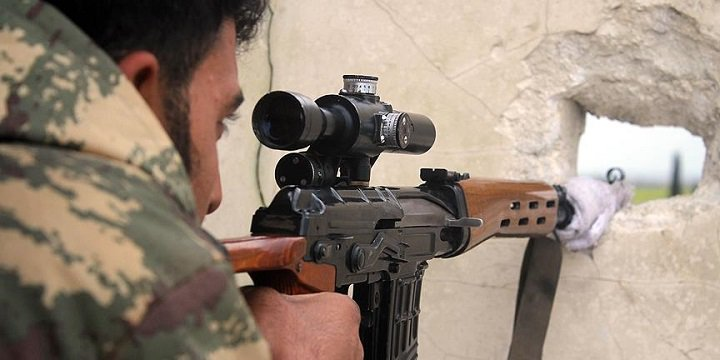 Suriye'de İran Devrim Muhafızlarına Mensup 2 Asker Öldürüldü