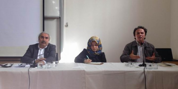 """Söz ve Eylem Platformu'ndan """"Kur'an ve Şiir"""" Paneli"""