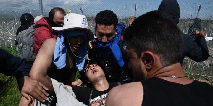 İdomeni'de Sığınmacılar ile Polis Arasında Arbede: 260 Yaralı