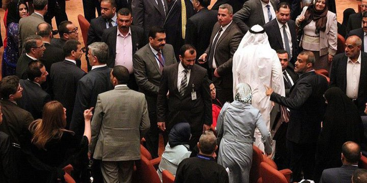 Irak Parlamentosunda Oturma Eylemi