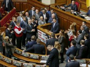 Ukrayna'da Siyasi Kriz Büyüyor, Başbakanlığa Aday Yok
