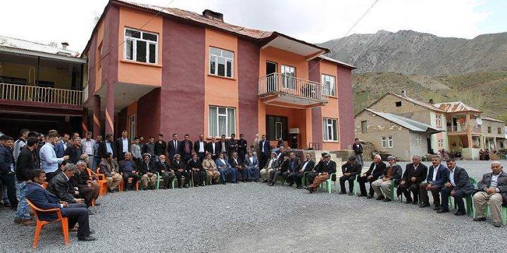 Jirki Aşireti PKK'yı Hakkari'de Protesto Etti