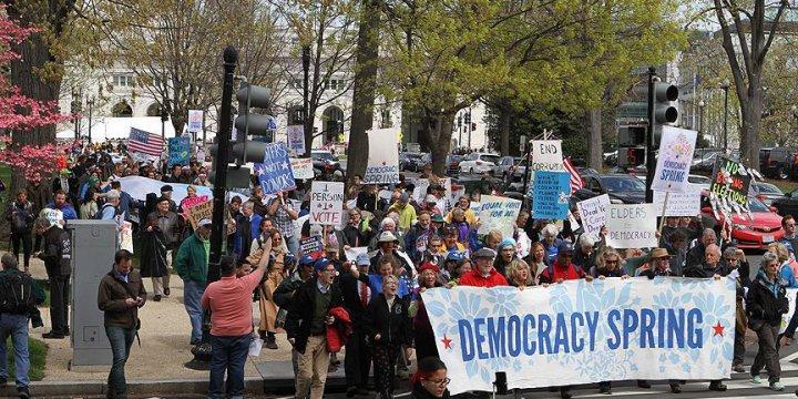 ABD'de 'Demokrasi Baharı' Eylemlerinde Gözaltılar Sürüyor