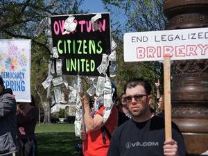 """ABD'deki """"Demokrasi Baharı""""nda Dördüncü Gün: 100 Gözaltı"""