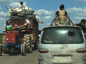30 Bin Kişiye Yakın Yeni Bir Göç Dalgası Türkiye Sınırına Dayandı