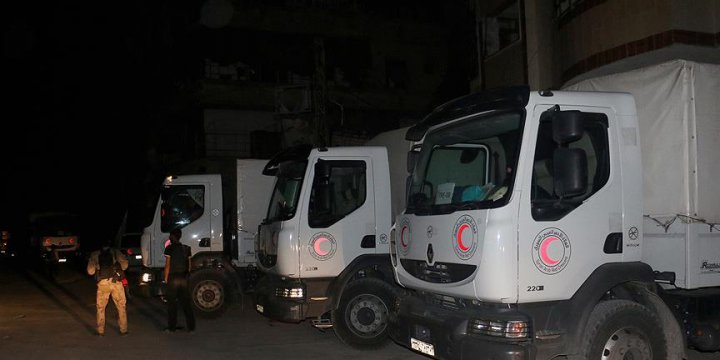 BM, Doğu Guta'ya 50 Araçlık Yardım Gönderdi