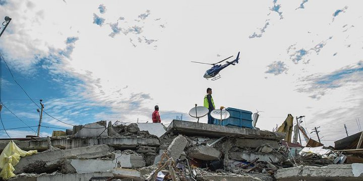 Ekvador'daki Depremde Ölü Sayısı 350'ye Yükseldi