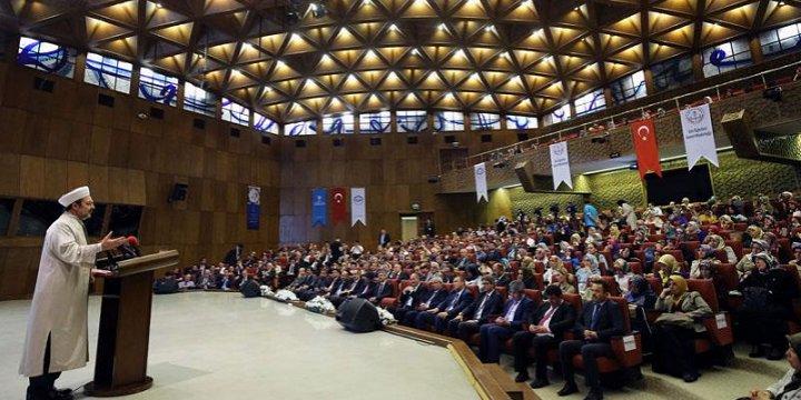 Diyanet İşleri Başkanı Görmez, Ankara'da Öğretmenlerle Bir Araya Geldi