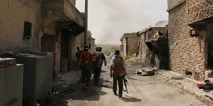 Direnişçiler Halep'te Taarruza Geçti