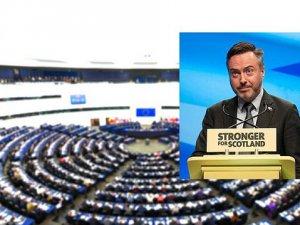 İskoç Siyasetçiden PYD'ye Baskı Çağrısı