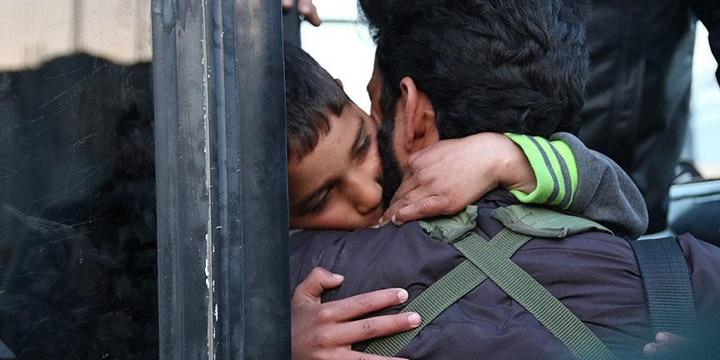Şam'ın Abluka Altındaki Beldelerinden 502 Kişi Tahliye Edildi