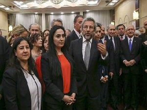 Öcalan'lı Cumhuriyet Resepsiyonu