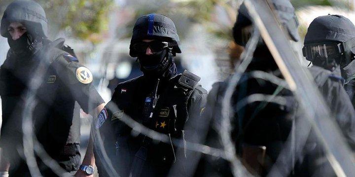 Mısır'da Darbe Karşıtı 76 Kişiye 10'ar Yıl Hapis Cezası