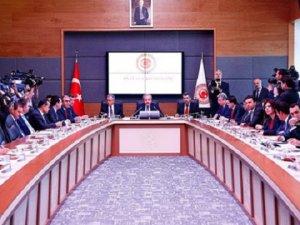 Komisyon 'Dokunulmazlıklar' İçin Toplandı