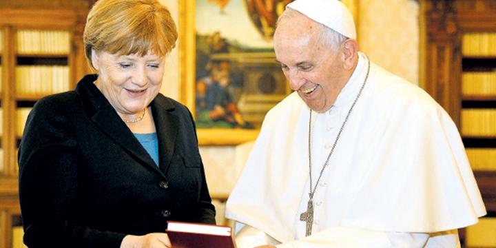"""Laik AB Vatikan'da"""