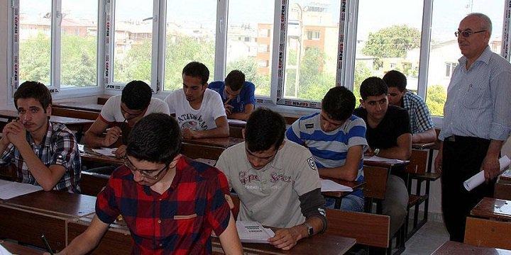"""""""Türkiye'de 5 Bin 600 Suriyeli Üniversite Öğrencisi Var"""""""