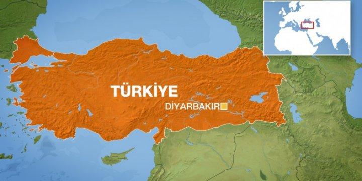 PKK'lılar Kamyonete Bomba Yüklerken Patladı