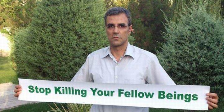 İranlı Yazar Katil İran Rejimini Eleştirdi