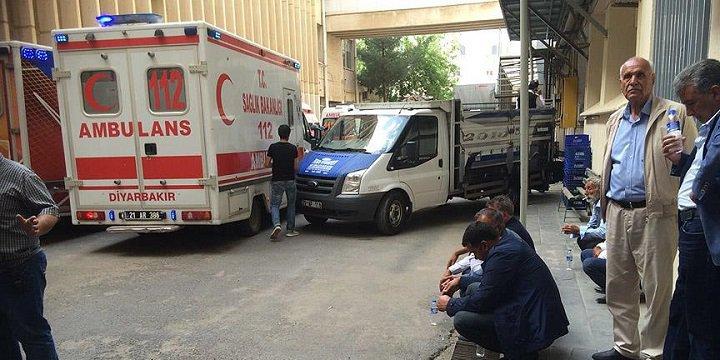 Sur'daki Patlamada Hayatlarını Kaybedenlerin Cenazeleri Ailelerine Teslim Edildi