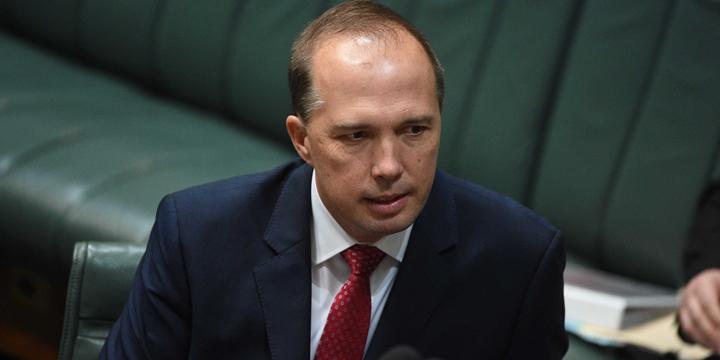 Avustralya Göç Bakanı Mültecileri Cahillikle İtham Etti!