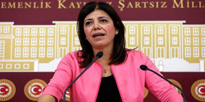 HDP'liler Anıtkabir Muhafızlığına Soyundu