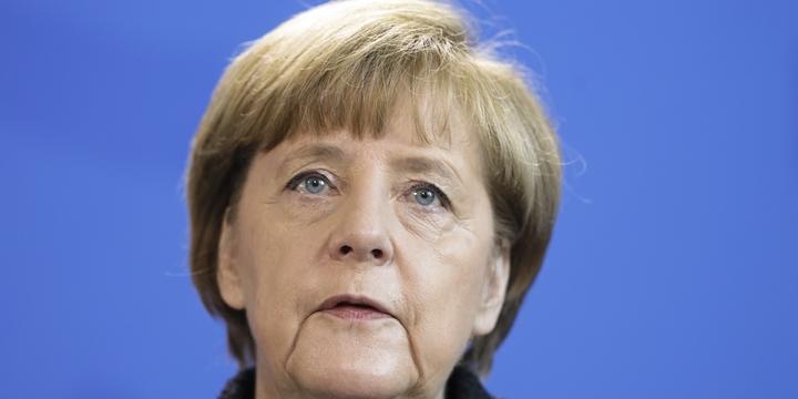 """Merkel Dokunulmazlıkların Kaldırılmasını """"Endişe Verici"""" Bulmuş!"""