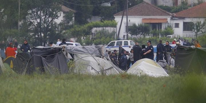 Yunanistan Polisi İdomeni'ye Girdi!