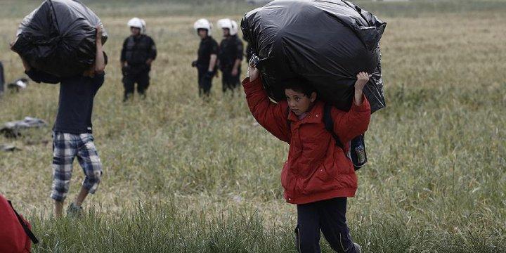 İdomeni'den 2 Bin 31 Sığınmacı Tahliye Edildi