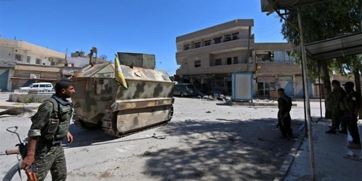 IŞİD, YPG'ye Bombalı Araçlarla Saldırdı: Onlarca YPG'li Öldü