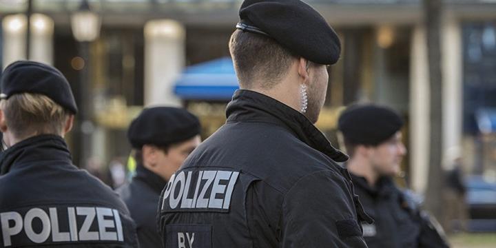 Bavyera Polisi Mültecileri İşe Alacak