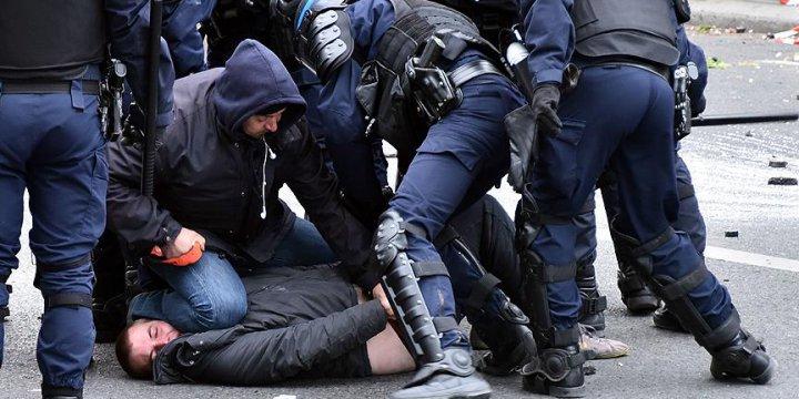 Fransa'da Protesto Edilen Tasarıda Değişiklik Sinyali