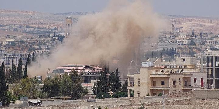 Esed ve Rusya Halep'e Saldırdı: 18 Sivil Hayatını Kaybetti!