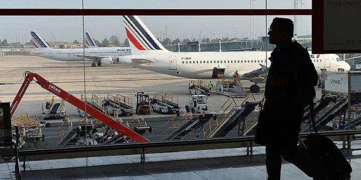 Fransa'da Havayolu Şirketlerine 'Yakıt' Uyarısı