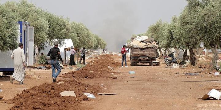IŞİD'den Kaçan On Binlerce Aile Dar Bir Alanda Sıkıştı!