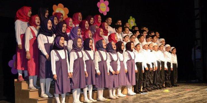 Özgür-Der Çocuk Kulübünden Yıl Sonu Programı