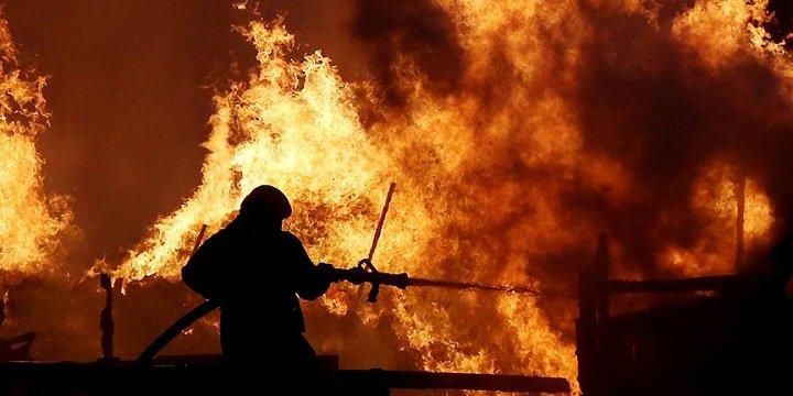 Hindistan'ın En Büyük Silah Deposunda Yangın Çıktı