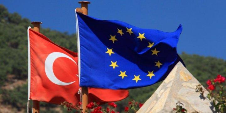 Dışişleri Bakanı: Juncker, Türkiye'nin Patronu Değil