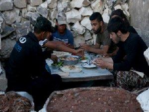 Suriye Direniş Hattında İftar