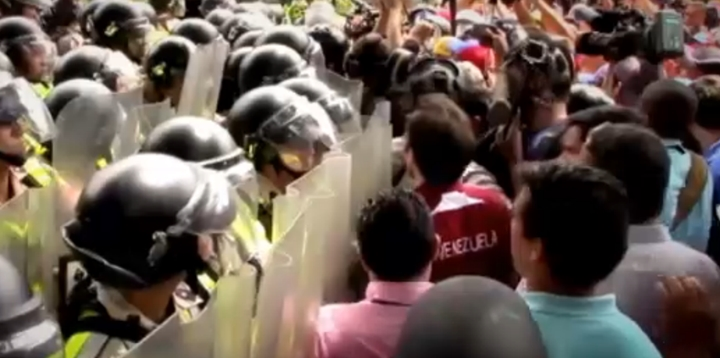 Venezuela'da Maduro Karşıtı Gösteriler Durmuyor