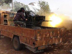 Suriye'de Direnişçiler Bazı Köy ve Tepeleri Ele Geçirdi