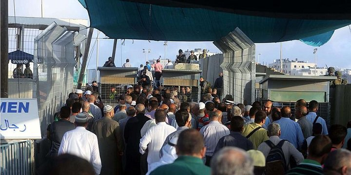İsrail Mescid-i Aksa'da Namaz Kılmak İsteyen Filistinlilere Engel Oldu