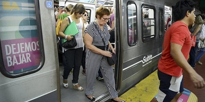 """Arjantin'de Hanımlara Özel """"Pembe Vagon"""" Önerisi"""