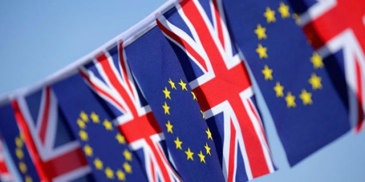 İngiltere'deki Referandumda 'AB'de Kalalım' Önde Gidiyor