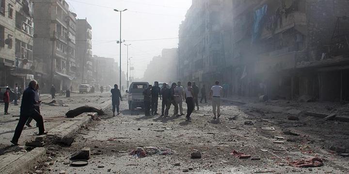 Rusya, Halep'te Hastane ve İlaç Fabrikasına Saldırdı!