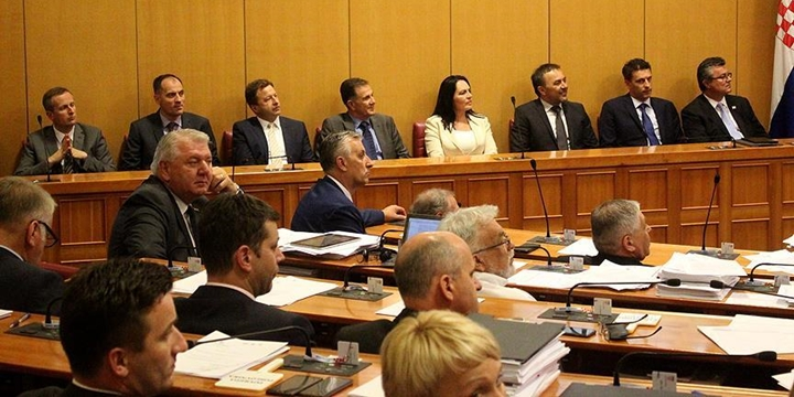 Hırvatistan'da Koalisyon Hükûmeti Düştü